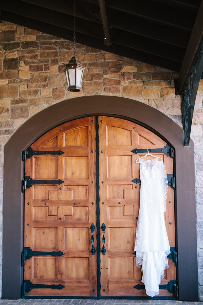 Stunning yellow & grey wedding at the Casa Real at Ruby Hill Winery Wedding // SimoneAnne.com